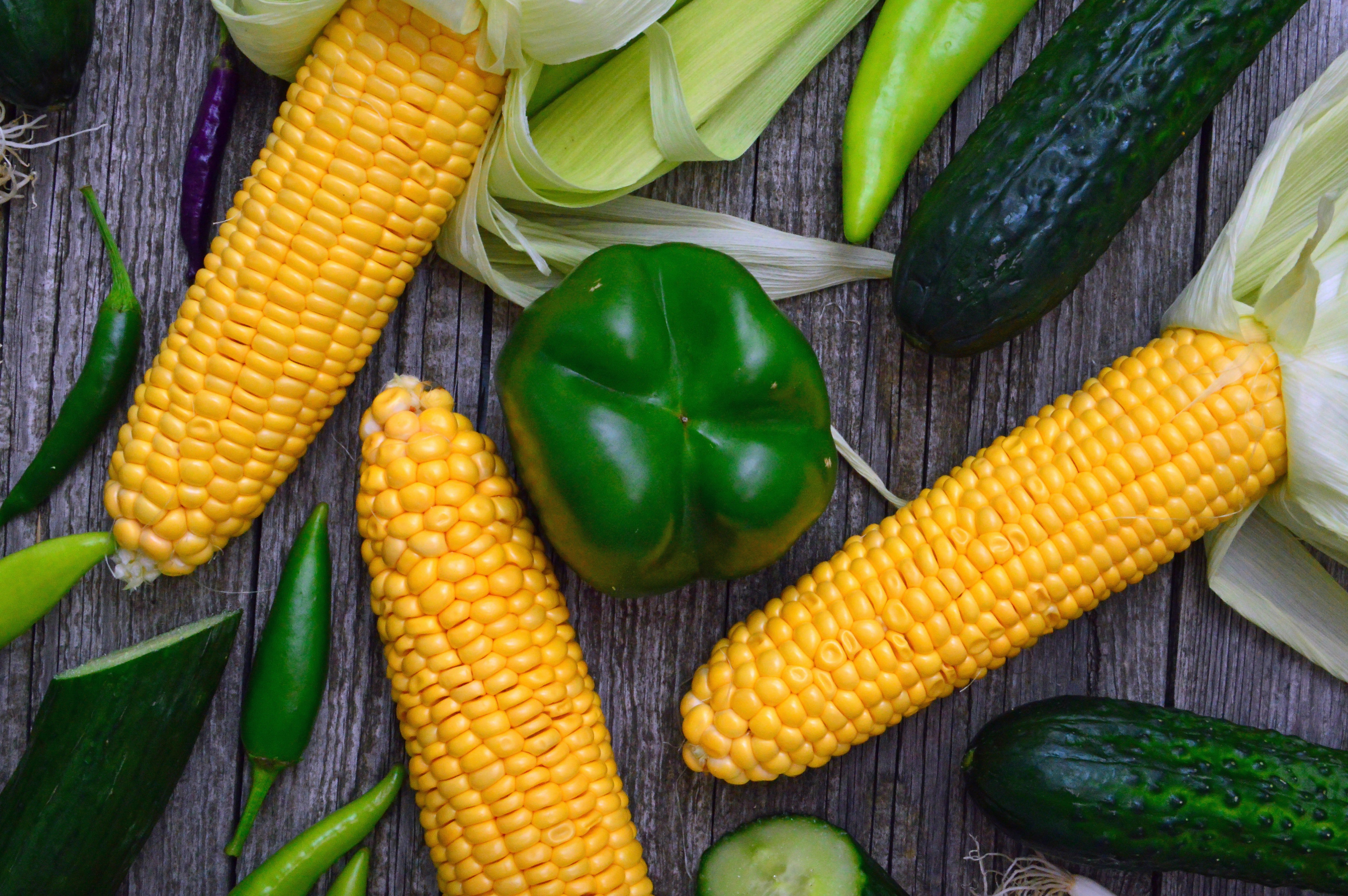 sweetcorn-and-bell-pepper-1414650